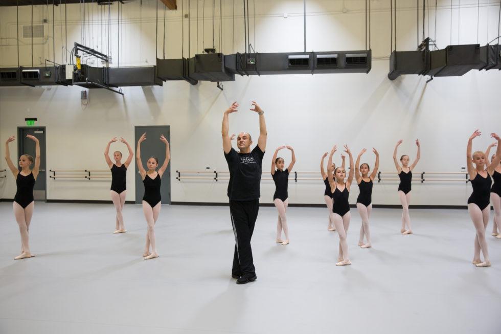 02_L2 Ballet Stu3 CARLOS