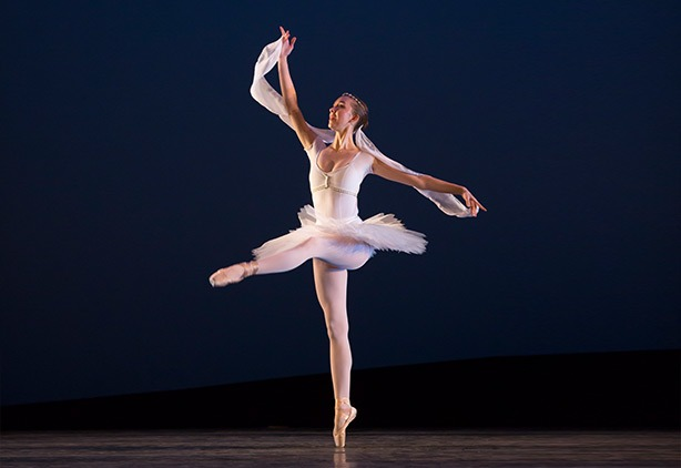 Katherine Loxtercamp: Trainee with Ballet AZ